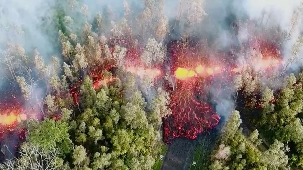 ภูเขาไฟในฮาวายปะทุต่อเนื่อง-เกิดรอยแยกใหม่ เตือนชาวบ้านต้องหนีแล้ว