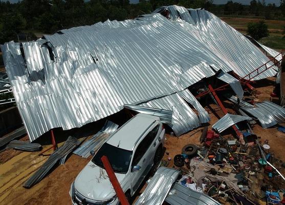 สภาพความเสียหายของบ้านเรือนประชาชน ในพื้นที่อ.กันทรวิชัย จ.มหาสารคาม
