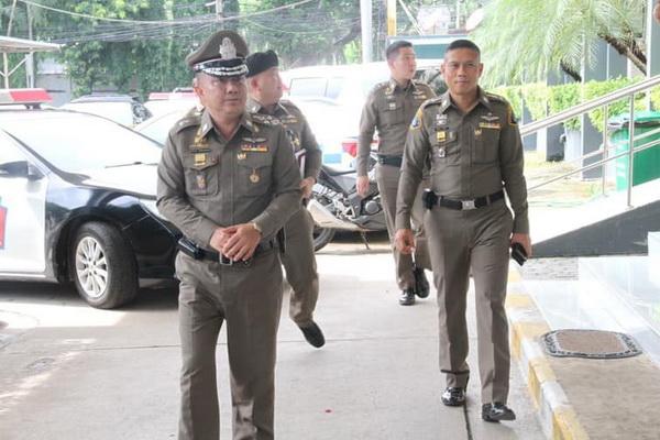 """หมายเรียก 8 แกนนำเพื่อไทยรับข้อหาผิดคำสั่ง คสช. 22 พ.ค.""""บิ๊กปู"""" เตือนแดงฮาร์ดคอร์อย่าแหลม"""