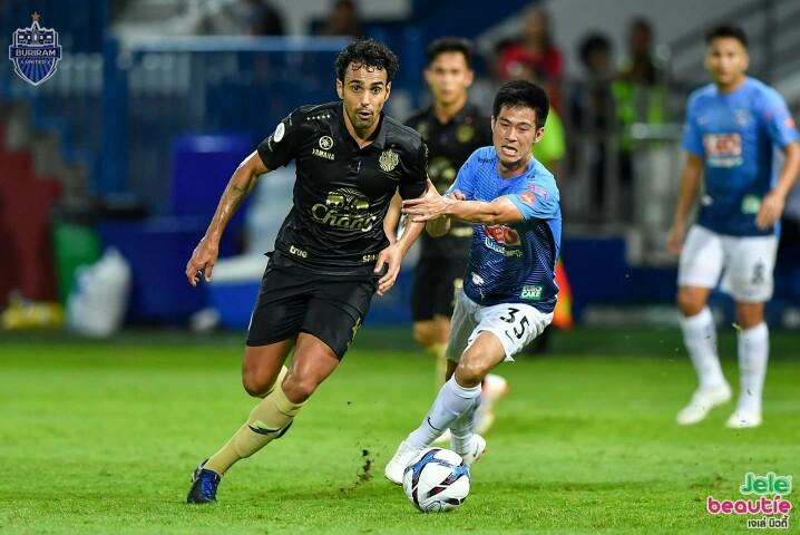 Image result for รูปนักเตะบอล สุภโชค' ซัดชัย! บุรีรัมย์บุกเชือดบีจี 2-1 ยึดจ่าฝูงไทยลีกเหนียวแน่น