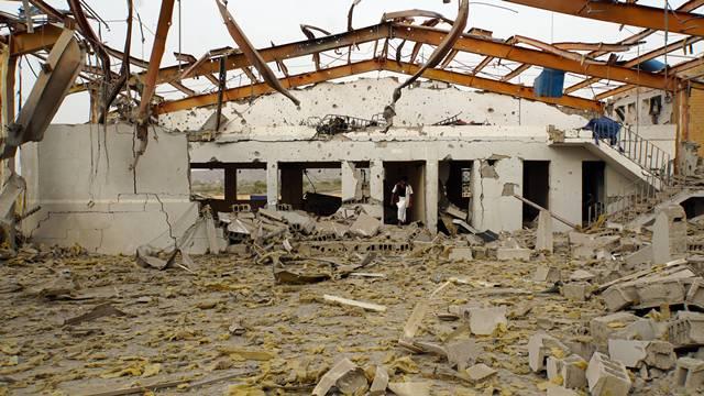 <b>กลุ่มพันธมิตรที่นำโดยซาอุดีอาระเบีย เปิดฉากโจมตีเมืองท่าอัล-ฮูเดย์ดาห์ของเยเมน</b>