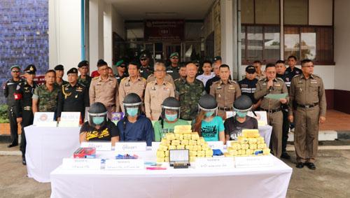 ผวจ.จันทบุรี นำทีมแถลงผลจับกุมเครือข่ายยาเสพติดรายใหญ่ในรอบ 20 ปี(ชมคลิป)