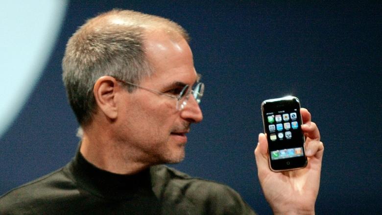 ต้นตระกูลไอโฟนเมื่อ 10 ปีที่แล้ว