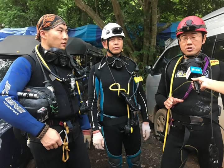 ทางการจีนส่งผู้เชี่ยวชาญด้านการกู้ภัยในถ้ำประสบการณ์สูง 6 คน ร่วมค้นหาเด็ก เยาวชน และโค้ชทีมหมูป่าที่หายไปในถ้ำหลวง เขตป่าสงวนแห่งชาติป่าดอยนางนอน ตำบลโป่งผา อำเภอแม่สาย จ.เชียงราย โดยผู้เชี่ยวชาญจะเดินทางมาถึงสนามบินเชียงใหม่ เมื่อวันที่ 29 มิถุนายน (ภาพจากซินหวา)