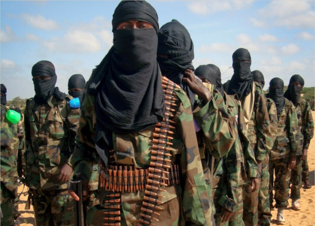 """""""อัลชาบับ"""" บุกโจมตีฐานทัพโซมาเลียทางใต้ ฆ่าทหาร 27 ศพ"""