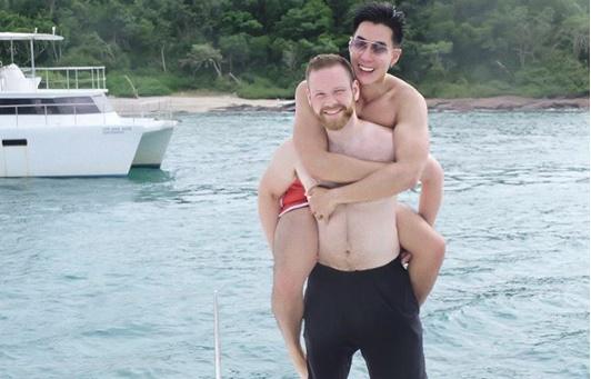 """ชีวิตดี """"เขื่อน"""" แฮปปี้! แฟนฝรั่งบินมาหาถึงไทย"""