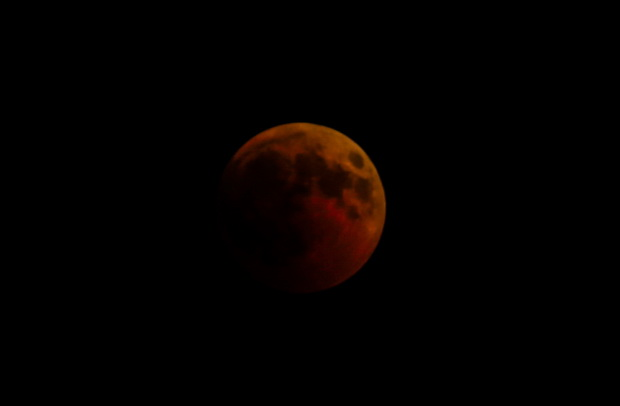 In Pics : เชิญยล!!ปรากฎการณ์'จันทร์สีเลือด'นานที่สุดในศตวรรษ เกิดพร้อมดาวอังคารขยับใกล้โลก