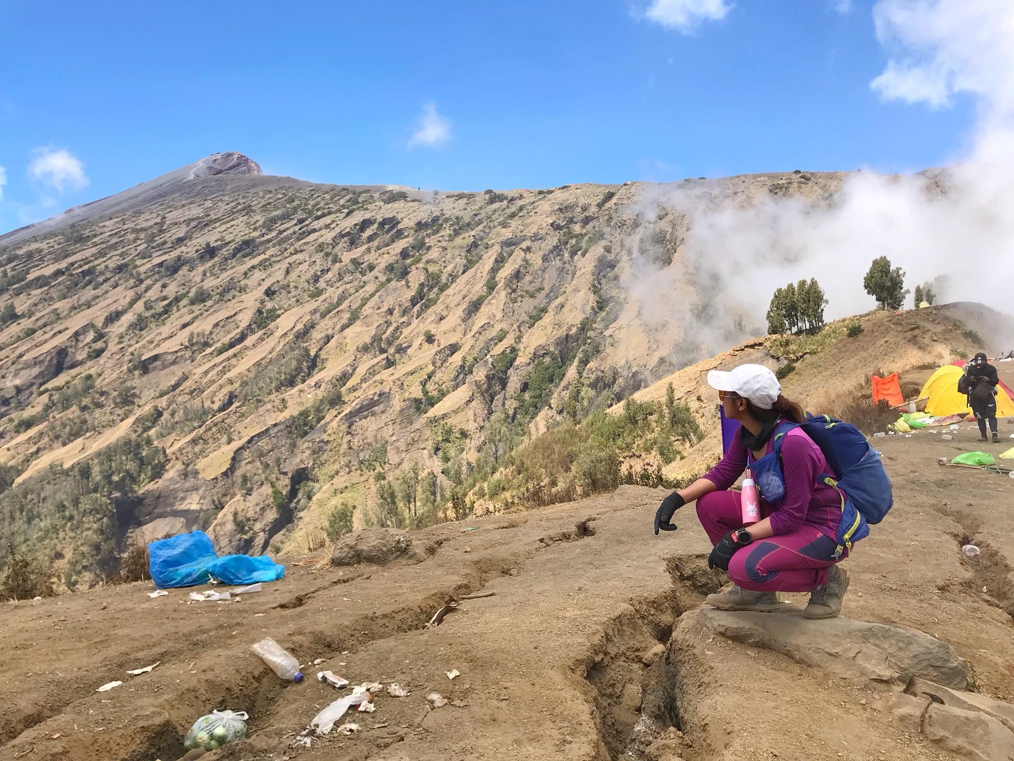 คนไทยติดภูเขาไฟรินจานี เริ่มออกเดินออกไปหาความช่วยเหลือ