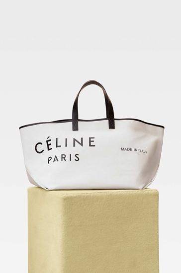 กระเป๋าทรง Tote ใบใหญ่ จาก Celine