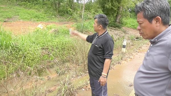 ชาวบ้านเมืองตราดร้องร้านรับซื้อยางพาราปล่อยน้ำเสียลงลำรางสาธารณะ