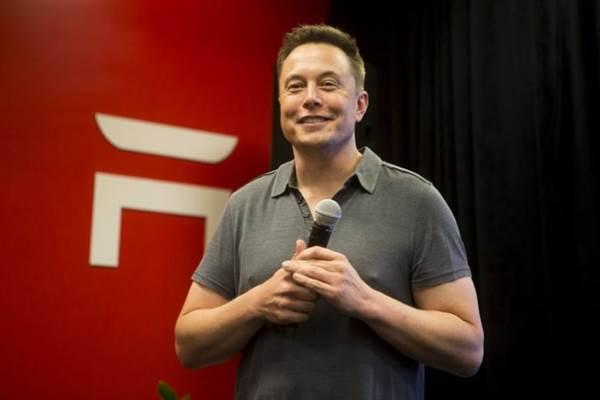 อีลอน มัสก์ เผยชิป A.I. ใหม่ของ Tesla อาจคลอดได้ต้นปีหน้า