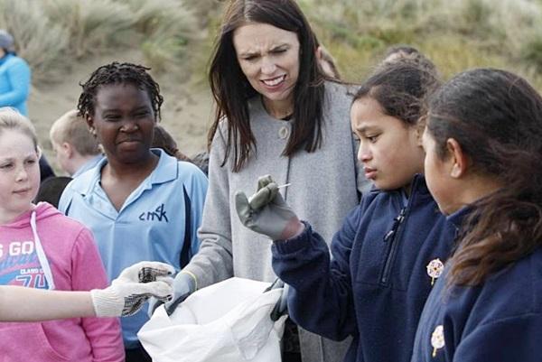 """""""นิวซีแลนด์"""" ประกาศแบนถุงพลาสติกที่ใช้ครั้งเดียวแล้วทิ้ง ภายในปี 2562"""