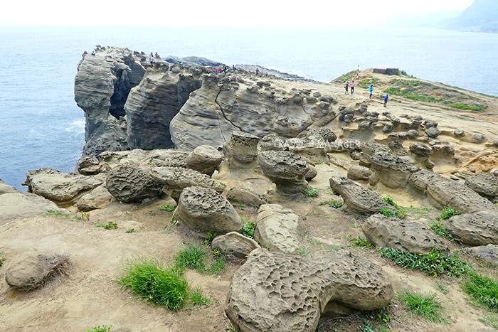 ลานชมวิวหินช้าง มีหินรูปร่างประหลาดแปลกตามากมาย
