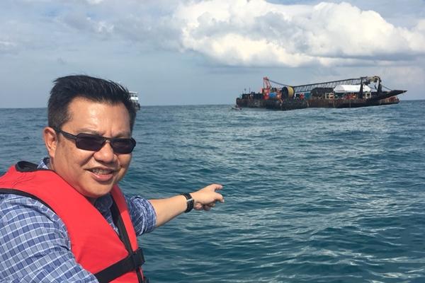 ยังกู้ไม่สำเร็จ เรือฟีนิกซ์ จมกลางทะเลภูเก็ต คาดพรุ่งนี้ลากเข้าฝั่งได้
