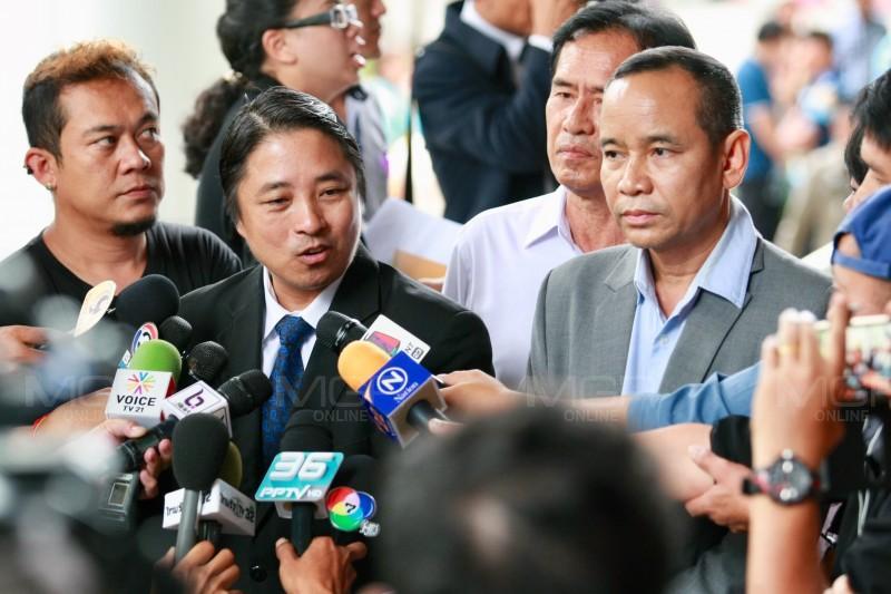 อดีตพระพุทธอิสระ ป่วยหนักต้องนอนโรงพบาบาล ทนายขอเลื่อนคำให้การคดีทำร้าย ตร.สันติบาล