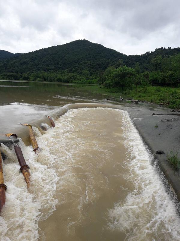 น้ำล้นสปิลเวย์ เขื่อนยางชุม และอ่างเก็บน้ำย่านซื่อ ยันไม่กระทบชาวกุยบุรี