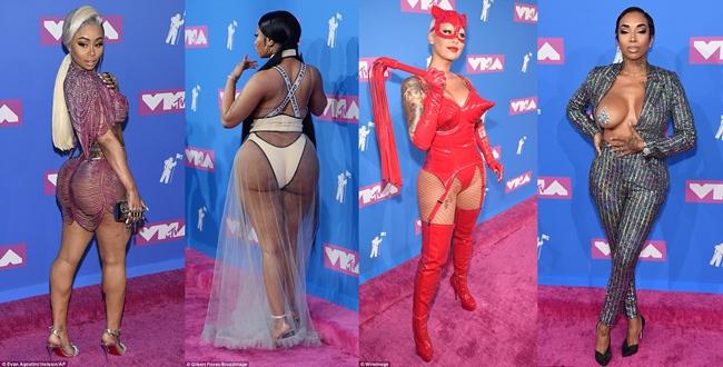 """เมานม! พรมแดง """"MTV VMAs"""" มีแต่ซีทรู โชว์อึ๋ม """"นิคกี มินาจ"""" จัดหนัก อวดบั้นท้ายมหึมา"""