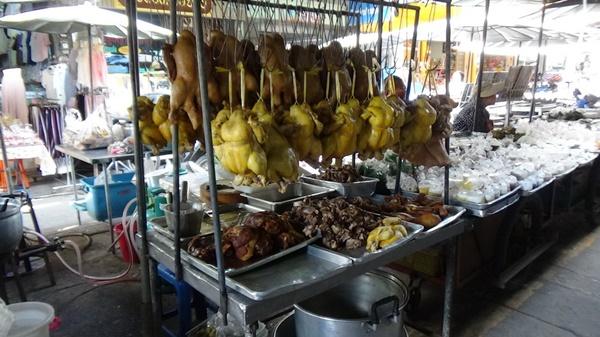 เศรษฐกิจซบ เงินในกระเป๋าไม่เป็นใจทำคนไทยเชื้อสายจีนออกจับจ่ายของไหว้เท่าที่จำเป็น