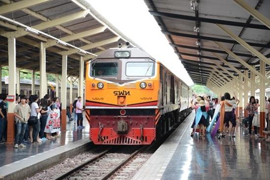 การรถไฟฯ ปรับจำหน่ายตั๋วล่วงหน้า ขบวนรถทางไกลเป็น 90 วัน