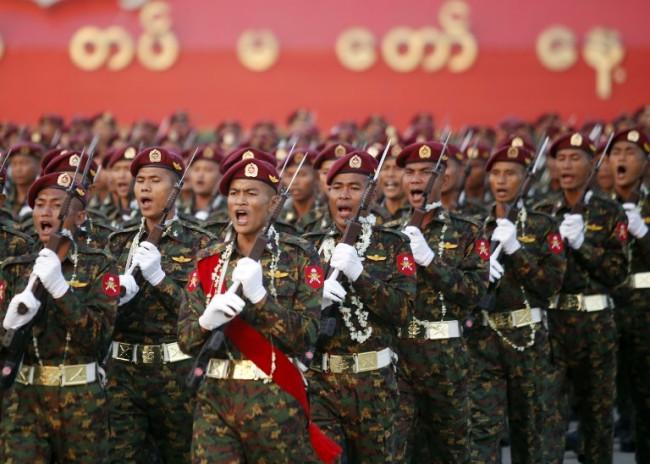 กองทัพพม่าปลดประจำการทหารเด็ก 75 นาย
