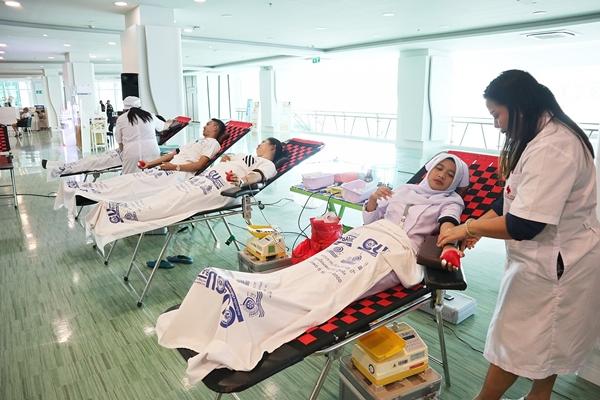 """""""ให้เลือด = ต่อชีวิต""""โรงพยาบาลสิริโรจน์ออกหน่วยรับบริจาคโลหิต"""