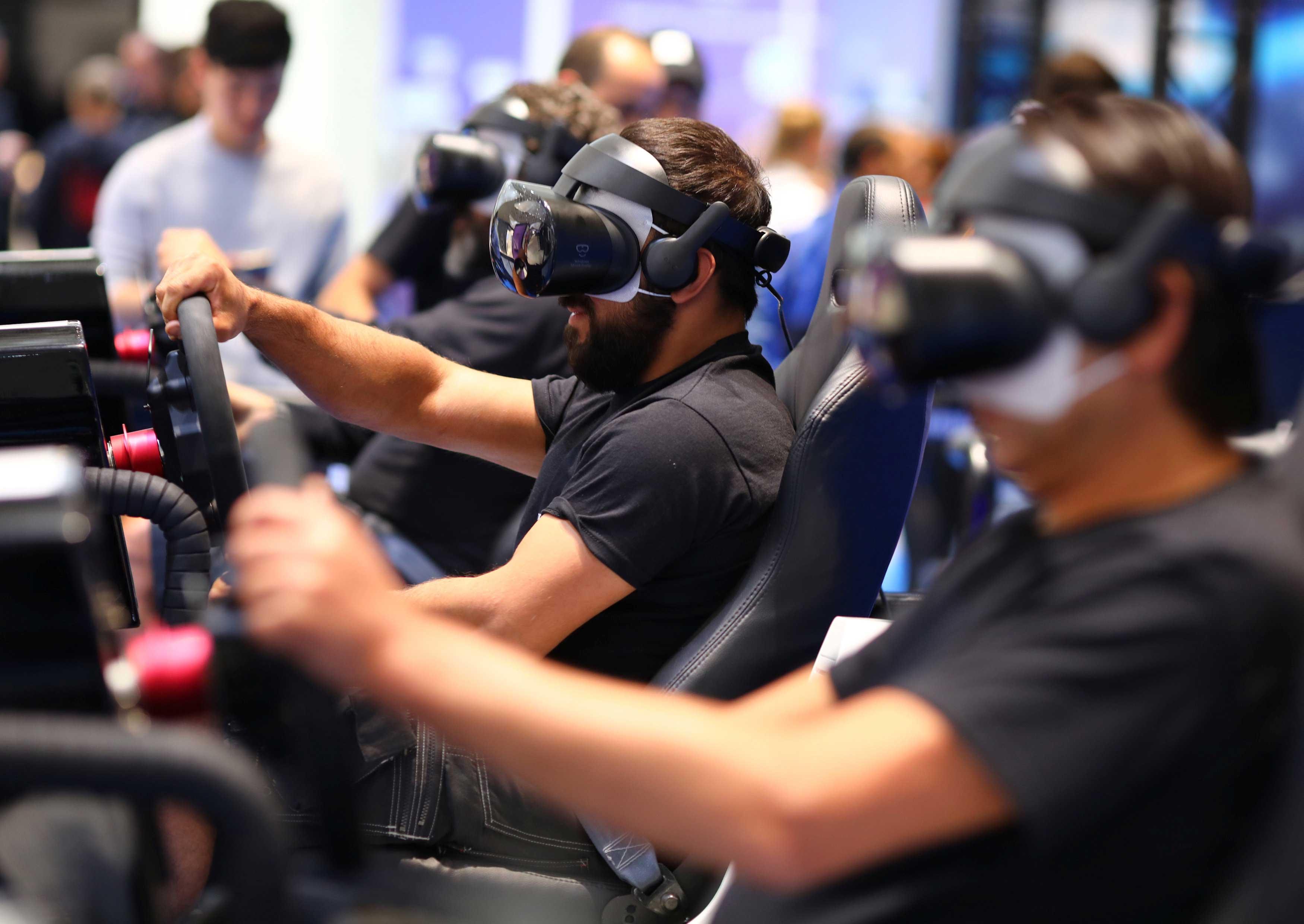 การทดลองใช้แว่น VR ของเทคโนโลยี Samsung 4d ในงาน IFA