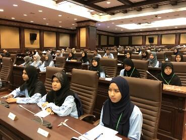"""""""ปธ.ศาลฎีกา"""" เปิดโครงการเยาวชนไทยหัวใจเดียวกัน รุ่นที่ 6 ให้ความรู้กม.เด็กชายแดนใต้"""