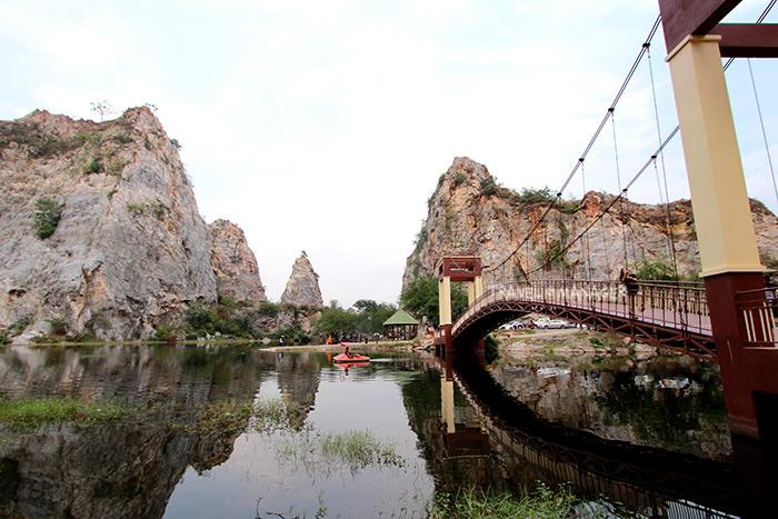 เขางู แหล่งท่องเที่ยวเรียนรู้เกี่ยวกับหินปูนชั้นเยี่ยมของเมืองไทย
