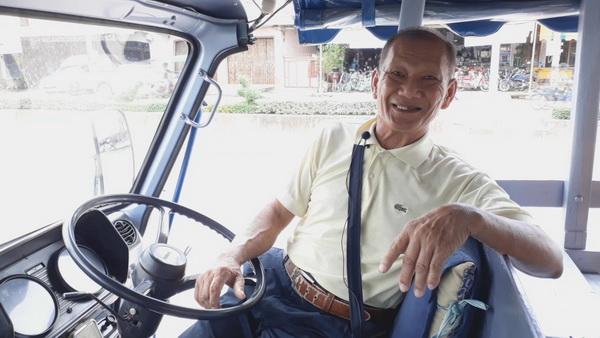 นายพิฆาต สุตจิตร อายุ 69 ปี คนขับรถคอกหมู