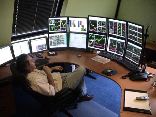 สงครามการค้า และสถานการณ์ค่าเงินตลาดเกิดใหม่ยังกดดันตลาดหุ้น