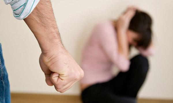 """ผู้หญิงยังมองความรุนแรงในครอบครัว """"เรื่องส่วนตัว"""" ไม่ควรบอกใคร อึ้ง! ไม่รู้จัก กม.คุ้มครองฯ"""