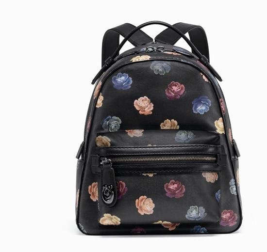 กระเป๋าสะพานหลัง Rainbow Rose จาก Coach