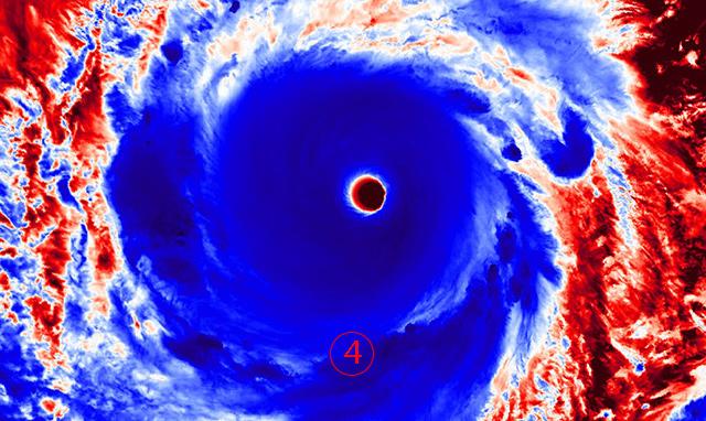 <br><FONT color=#00003>ใส่สีเข้าไปอีกหน่อย โดยดาวเทียมฮิมาวารี-8 ถ่ายจากมุมเฉียงเช่นเดียวกัน. </a>
