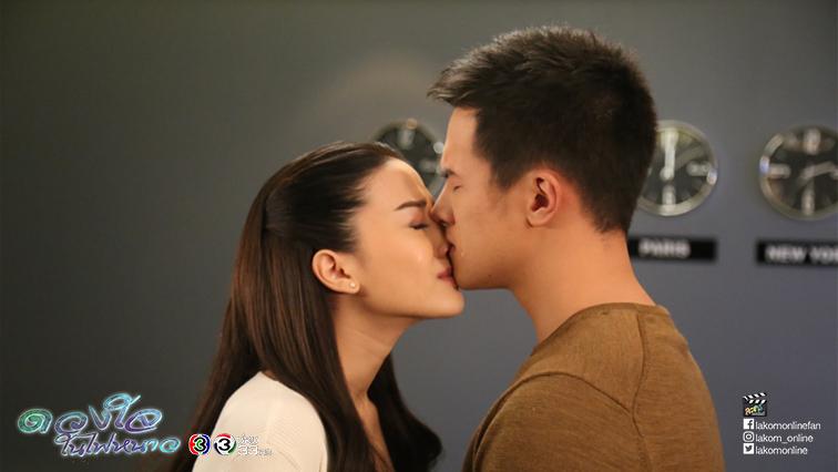 """""""เจมส์-จีน่า"""" จูบซึ้งมาราธอน ทำต่อมน้ำตาแตก"""
