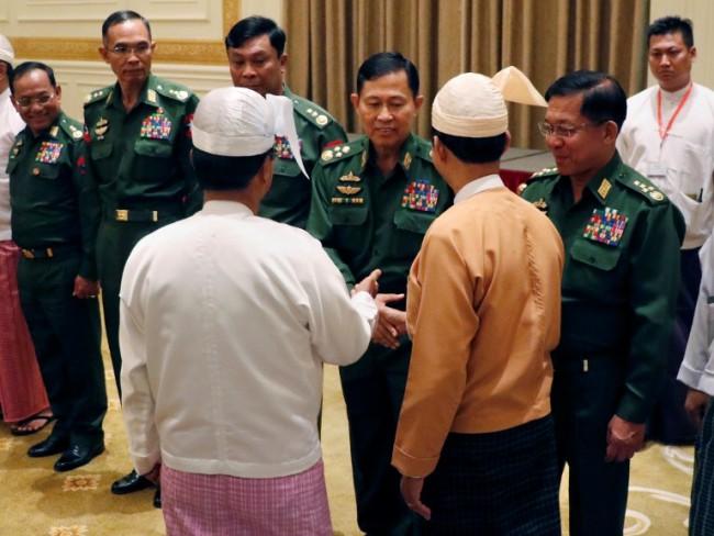 ผู้สอบสวนสหประชาชาติย้ำทหารพม่าควรเลิกยุ่งเกี่ยวการเมือง