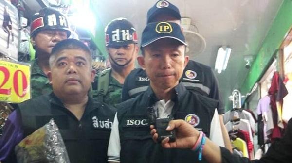 ทหาร-ตร.พญาไทย จับสินค้าละเมิดลิขสิทธิ์ย่านประตูน้ำ ได้ขอลกลางอื้อ