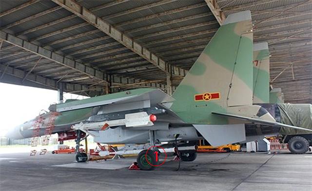 """Su-30 เวียดนามเปิดลับจรวด R-77 ตัวกั่นเทียบชั้น """"อัมราม"""" F-16 ทัพฟ้าไทย"""