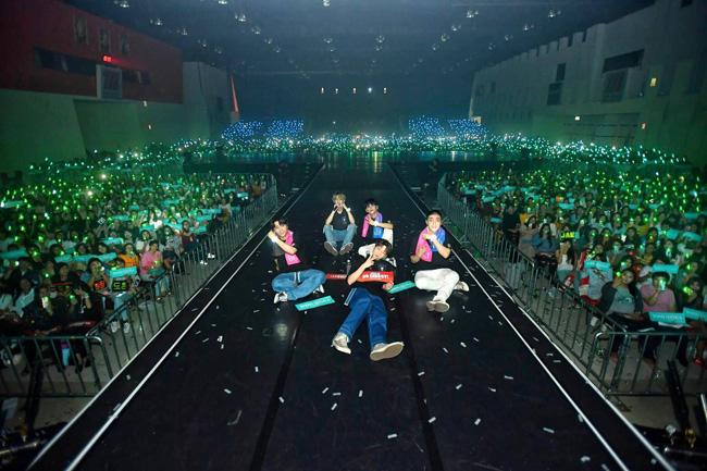 """4NOLOGUE"" จัดให้! ""DAY6"" จัดเต็ม! Shoot Me กระหึ่ม ใน ""DAY6 1ST WORLD TOUR 'YOUTH' IN BANGKOK"""