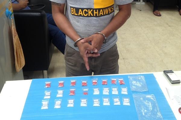 ตำรวจ ชปส.สภ.เมืองภูเก็ต กวาดล้างต่อเนื่องผู้ต้องหายาเสพติดวันเดียวจับ 3 ราย