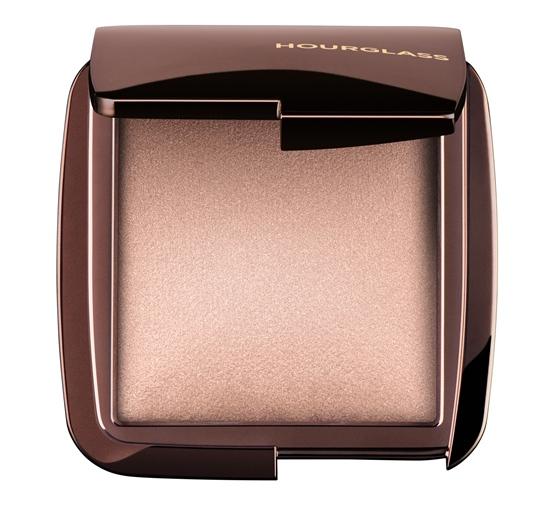 HOURGLASS Ambient Lighting Powder สี Luminous Light ฟินิชชินพาวเดอร์โทนสีแชมเปญ ราคา 1,980 บาท