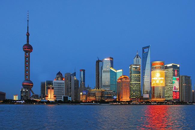 """HSBC คาดปี 2030 """"จีน"""" ขยับแซง """"สหรัฐฯ"""" เป็นเศรษฐกิจใหญ่เบอร์หนึ่งโลก"""