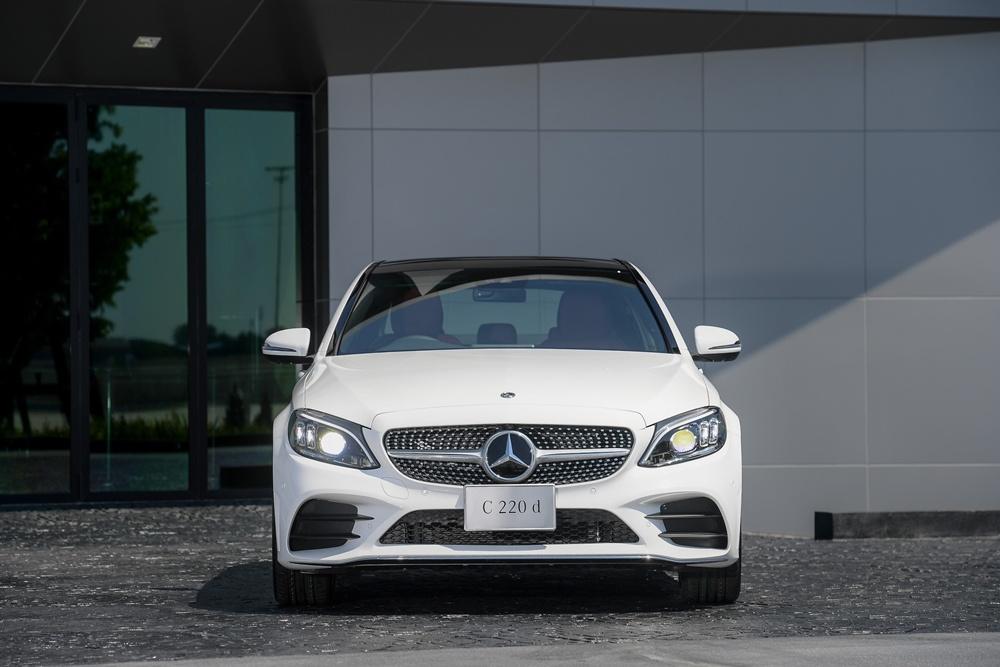 The New C220d รถ CKD ดีไซน์ใหม่ เทคโนโลยีล้ำ เริ่ม 2,349,000 บาท
