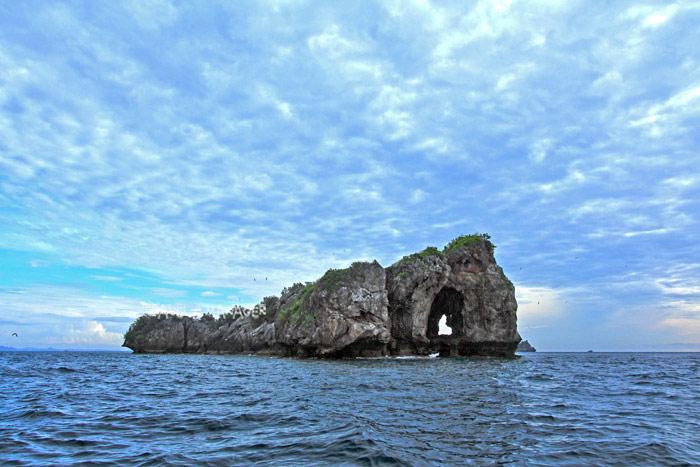 เกาะทะลุ รูปหัวใจ