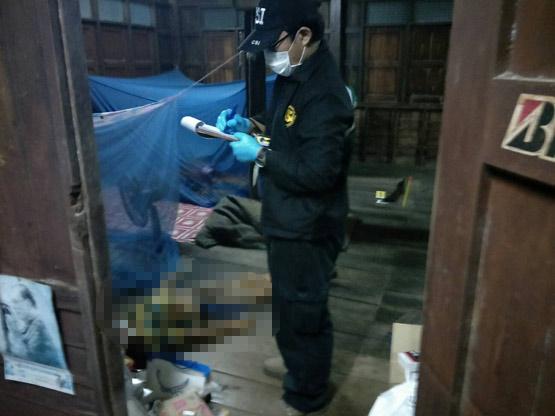 ลุงวัย 79 เครียดโรครุมเร้าคว้าปืนลูกซองยิงกรอกปากเสียชีวิตคาบ้านพัก