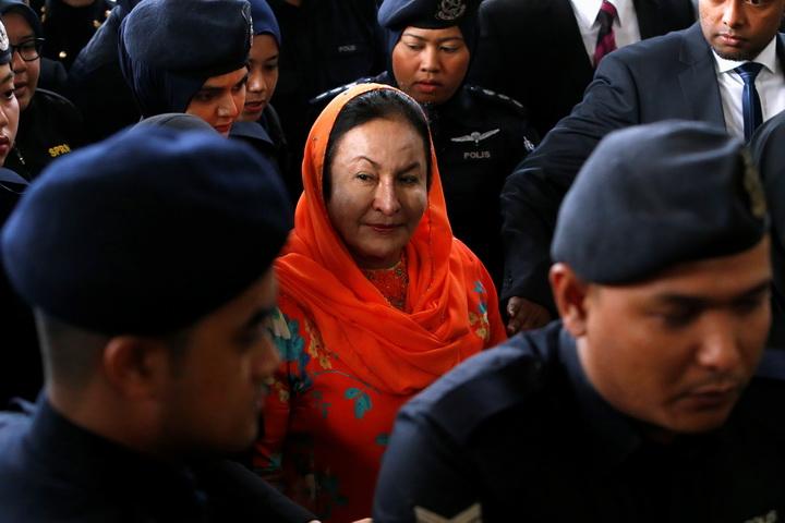'เมียนาจิบ'ถูกตั้งข้อหาฟอกเงิน17กระทง คดีกองทุนฉาวมาเลย์ที่สามีโดนกล่าวโทษ