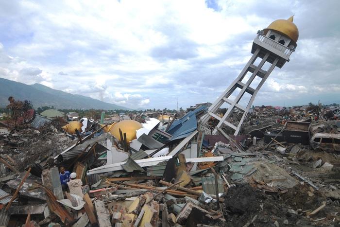 5,000!! หวั่นจำนวนคนหาย-ตายจากแผ่นดินไหว-สึนามิแดนอิเหนา  เพิ่มพรวดจากตัวเลขปัจจุบันซี่งยังไม่ถึง 2 พัน