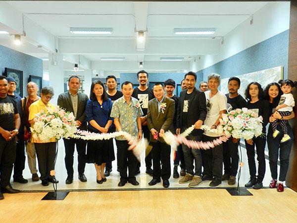 """ผู้ว่าฯ สงขลา เปิดนิทรรศการ """"The 4th See to Sea Exhibition by 2 lays group"""" ณ PSU Art Gallery"""
