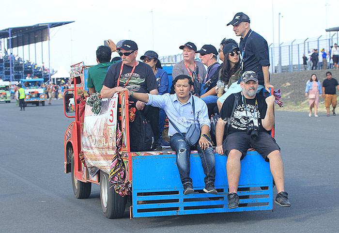 ชัตเติลแต๋น ขวัญใจผู้เข้าชมโมโตจีพีทั้งชาวไทยและชาวต่างชาติ