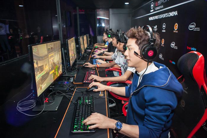 เกรท-สพล อัศวมั่นคง นักแสดงชื่อดังร่วมแข่งขันเกม Overwatch กับทีมนักกีฬาอีสปอร์ตมืออาชีพ