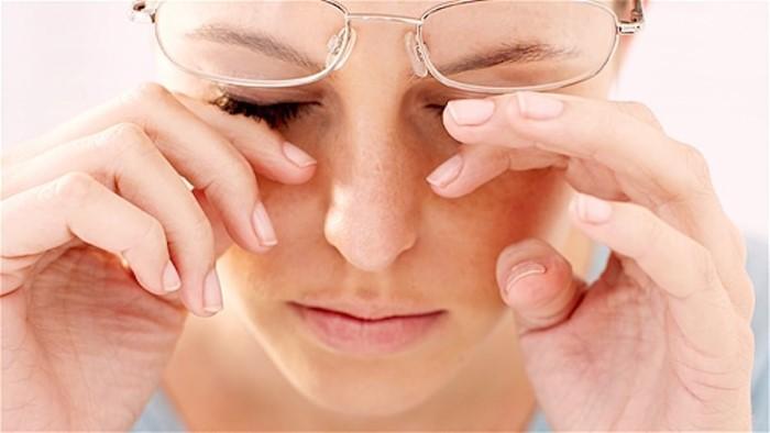 """""""โรคตาแห้ง"""" อย่าละเลย ทำมองภาพไม่ชัด เสี่ยงตาอักเสบได้"""